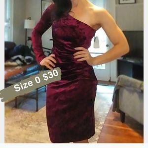 One sleeve crushed velvet dress